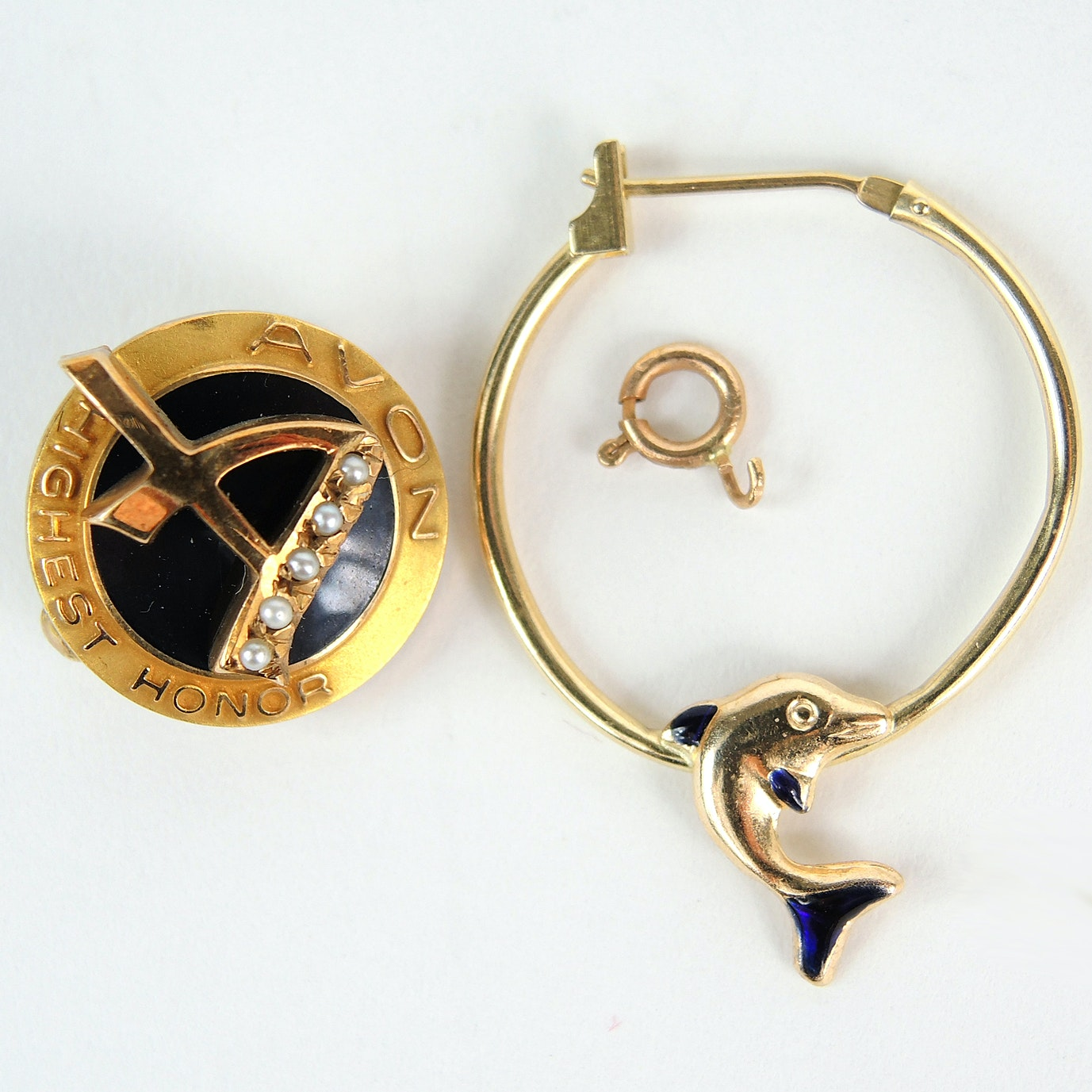 Scrap 14K, 10K Gold with Avon Highest Honor Pearl and Onyx Pin
