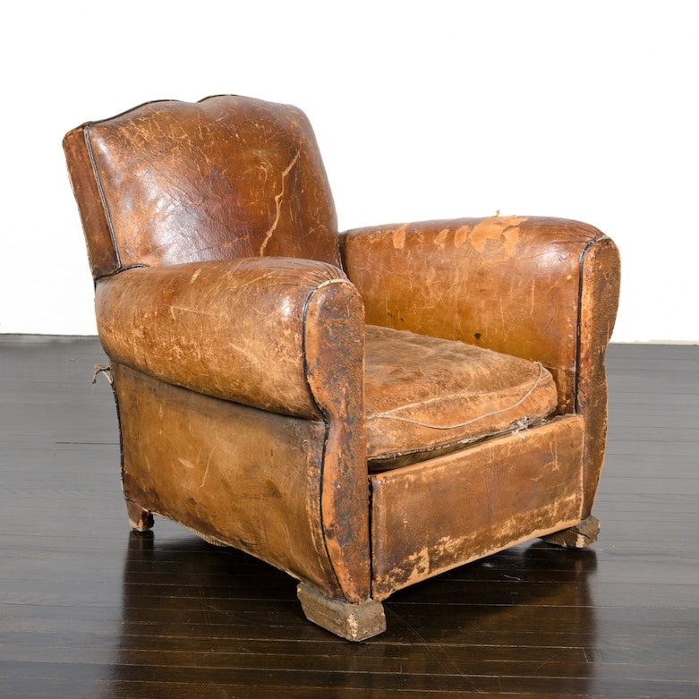 overstuffed leather club chair early 20th century leather club chair ebth