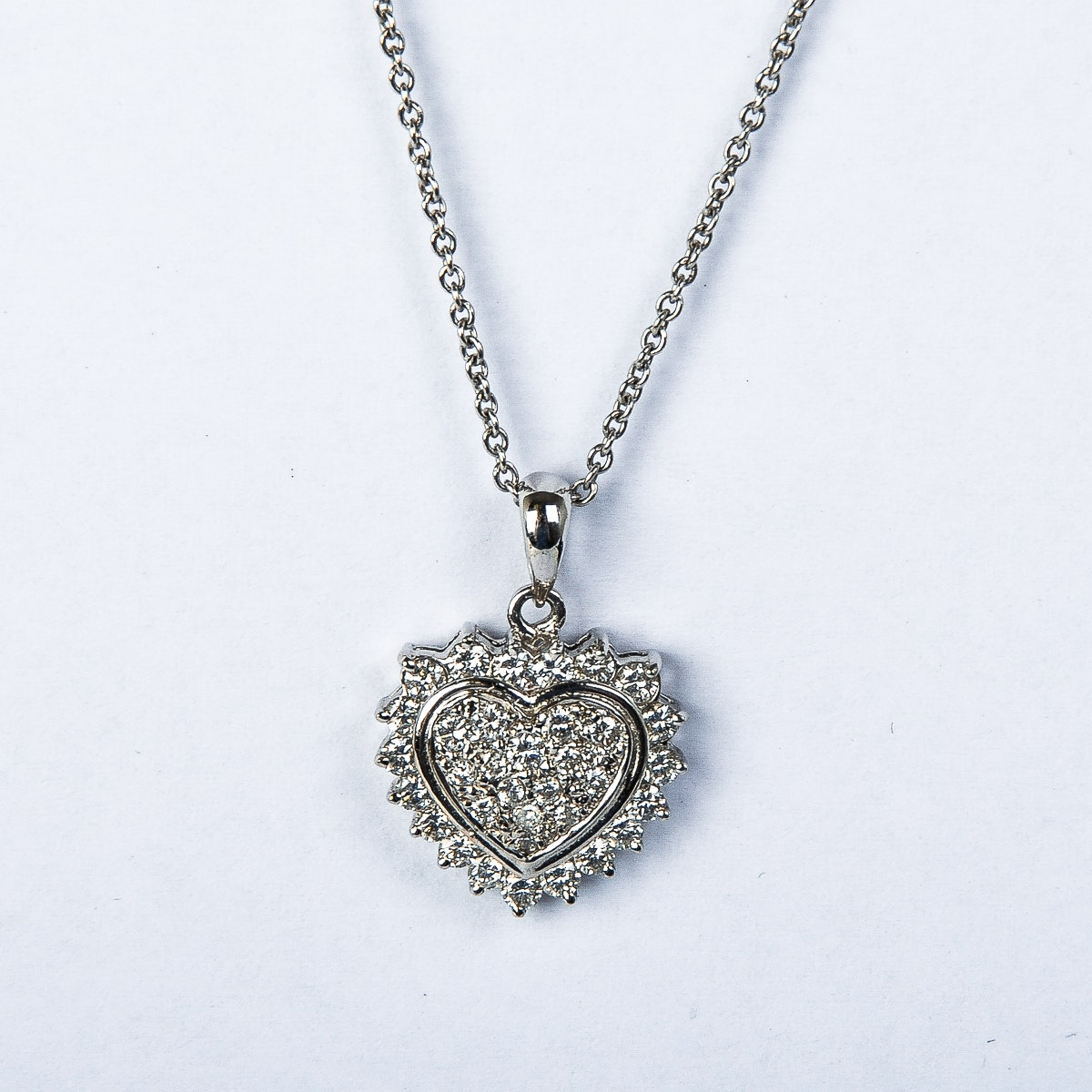 18K White Gold and Diamond Heart Pendant Necklace