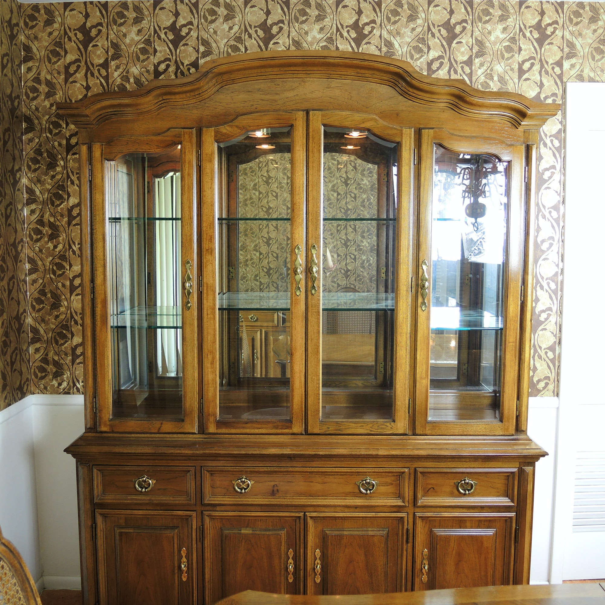 Thomasville French Provincial Style Lighted China Hutch Cabinet