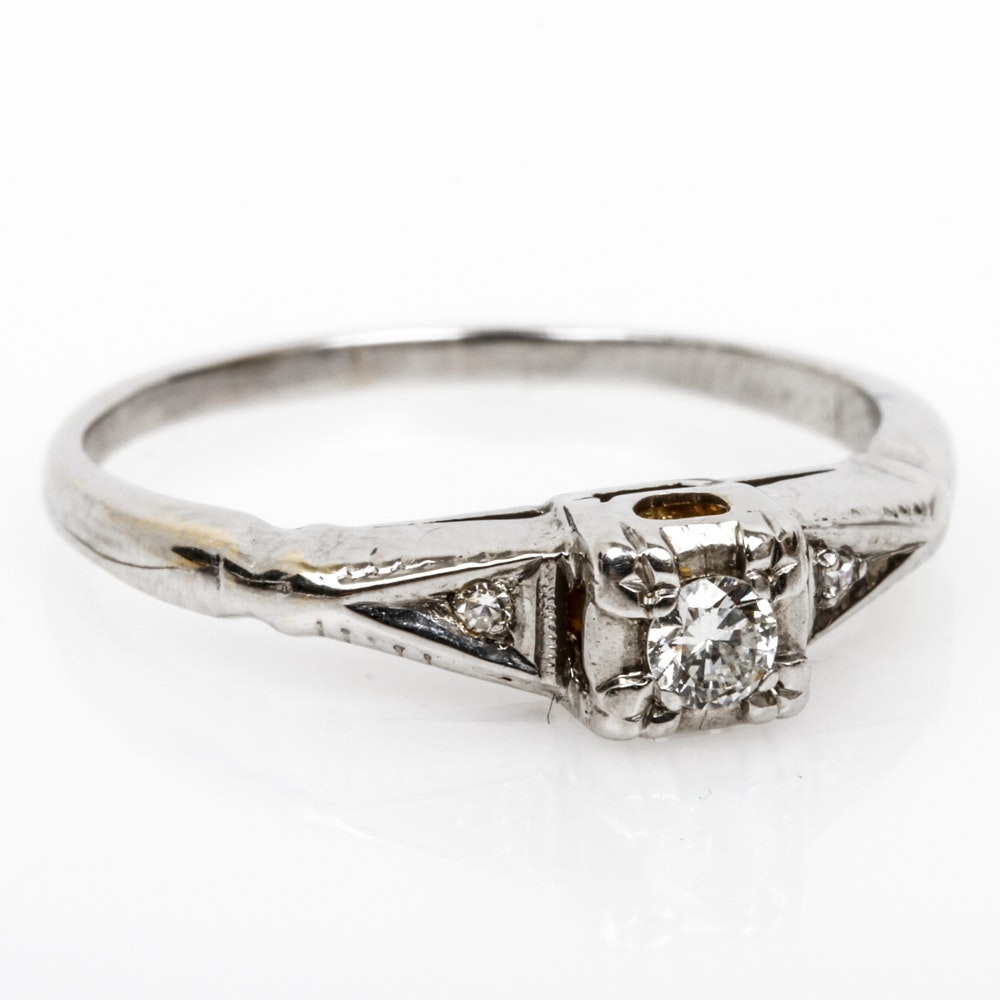 Vintage 14K White Gold and Diamond Ring