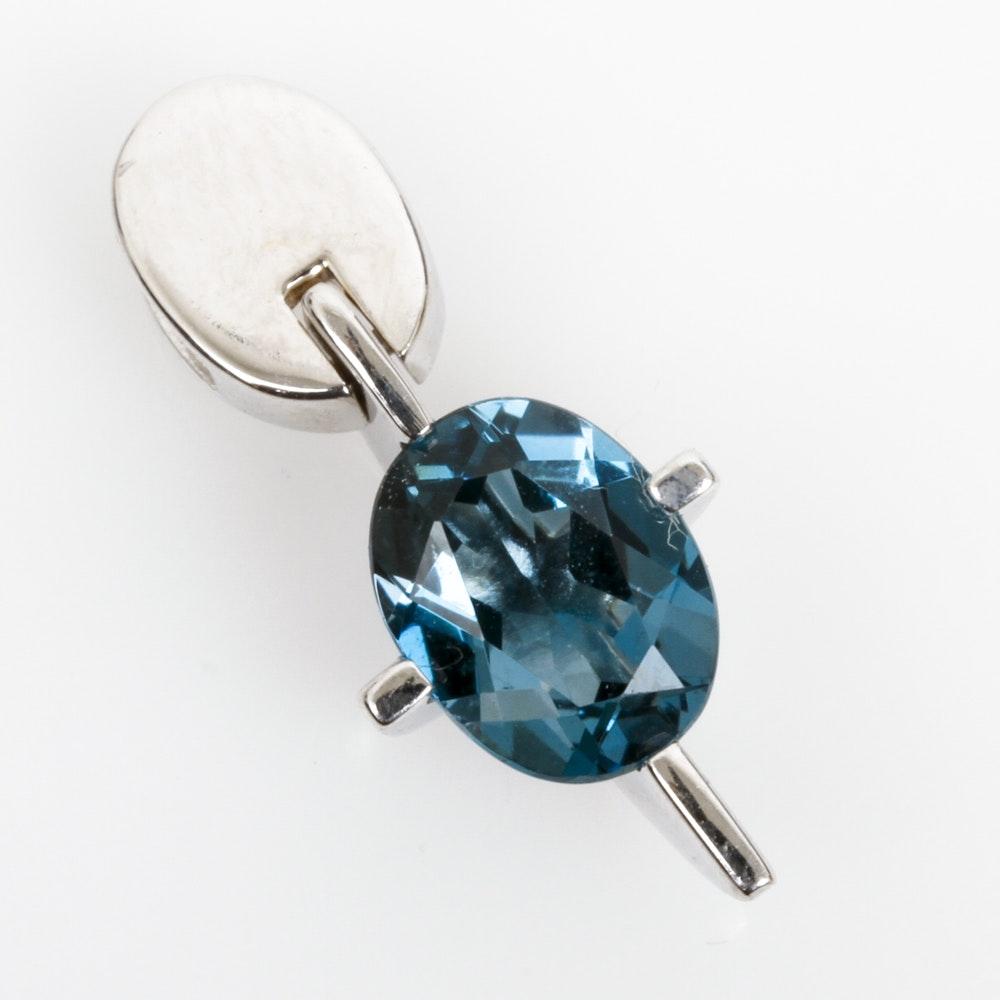 18K White Gold and Blue Topaz Pendant