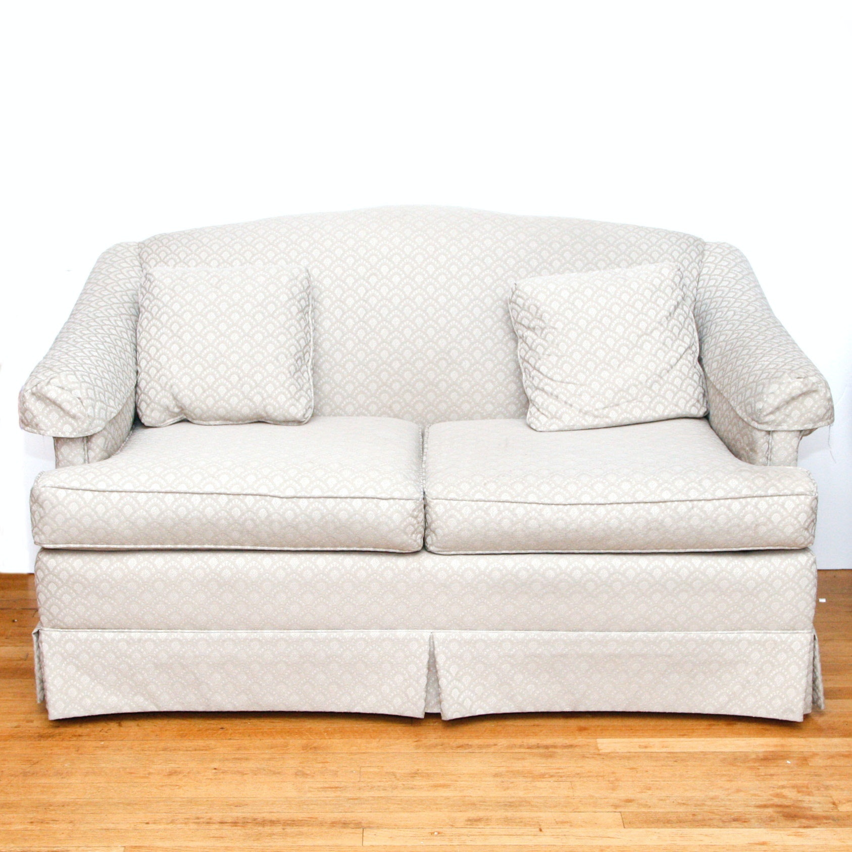Rowe Furniture Upholstered Love Seat