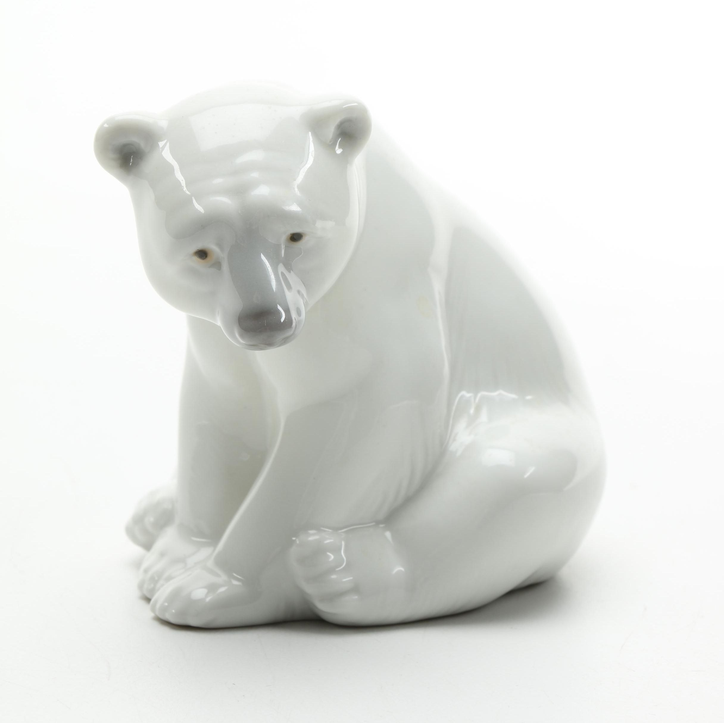 "Lladró ""Seated Polar Bear"" Porcelain Figurine"