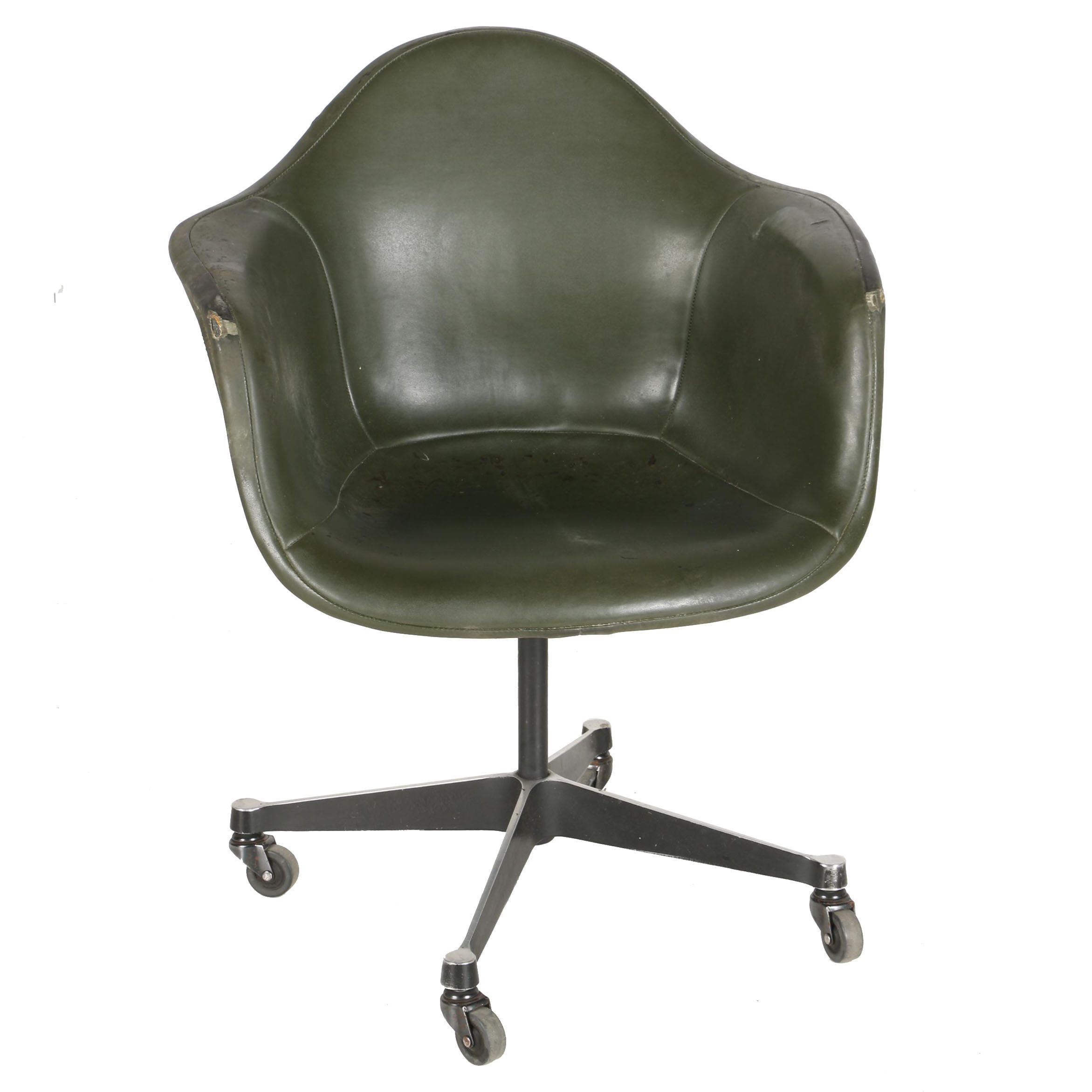 Mid Century Modern Swivel Shell Chair in the Style of Charles and Ray Eames