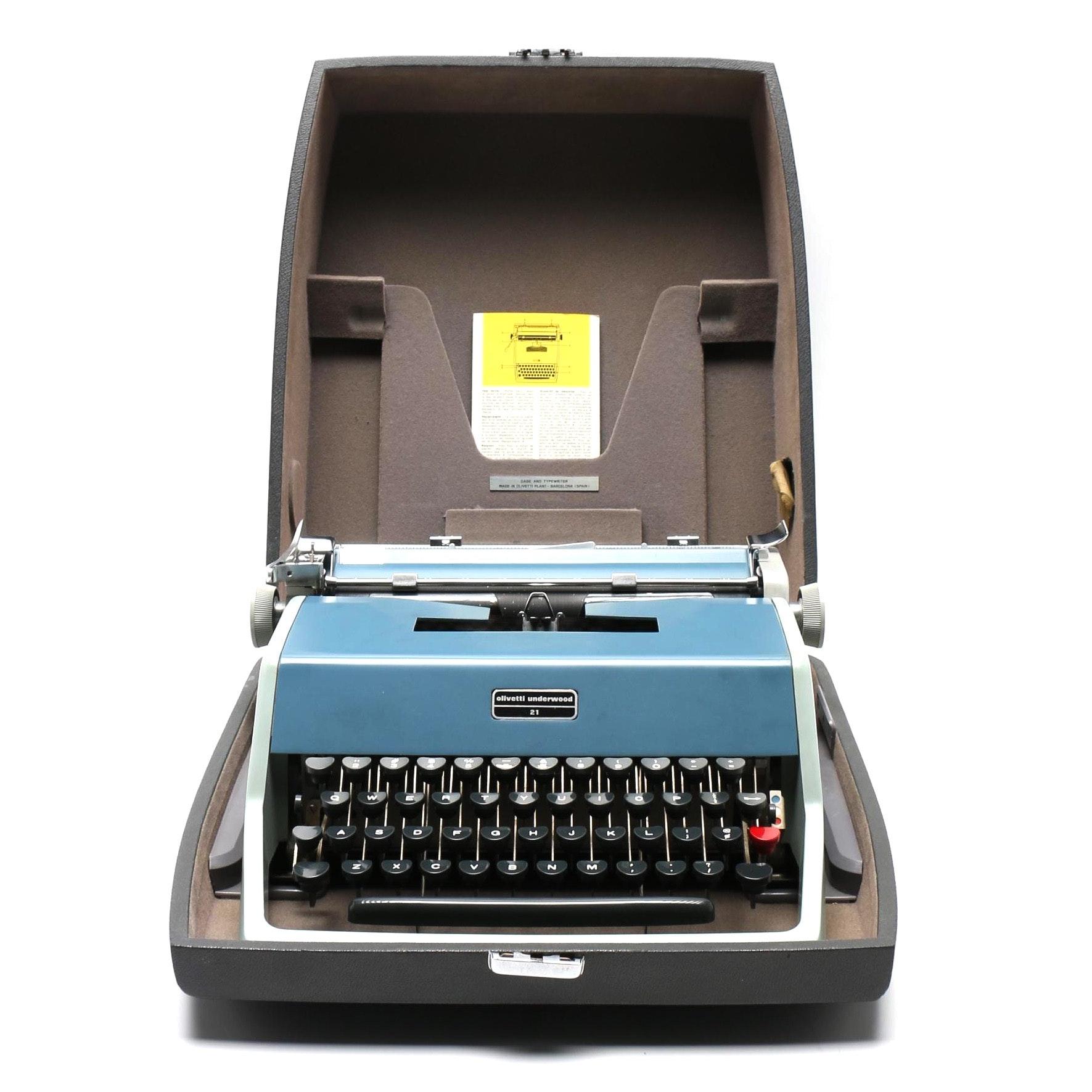 1960s Olivetti-Underwood 21 Portable Typewriter