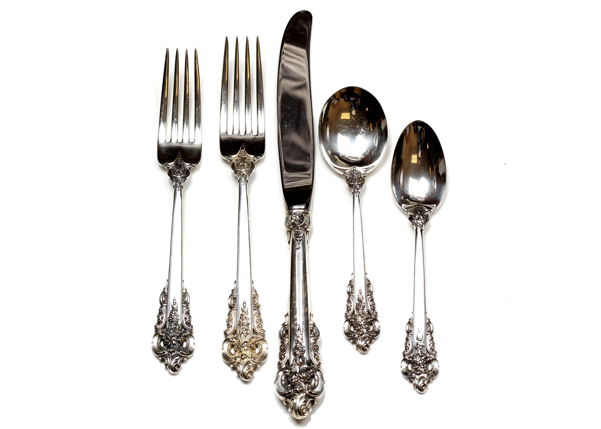 "Wallace Sterling Silver ""Grand Baroque"" Flatware"