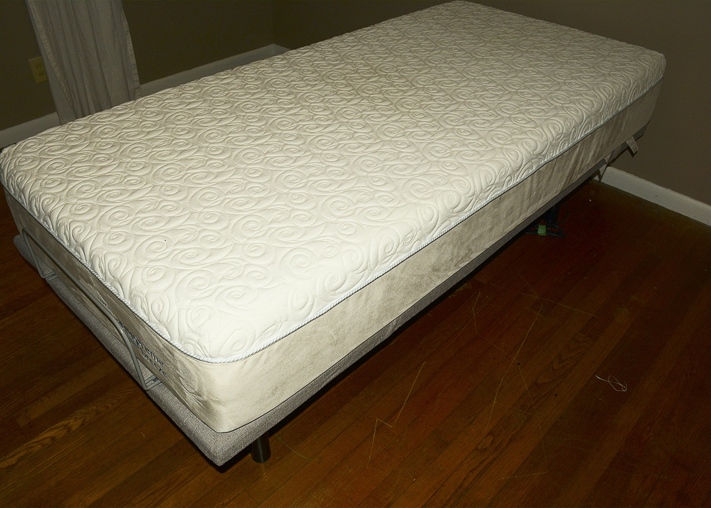 Tempur-Pedic Twin Adjustable Bed Frame with CloudSupreme ...