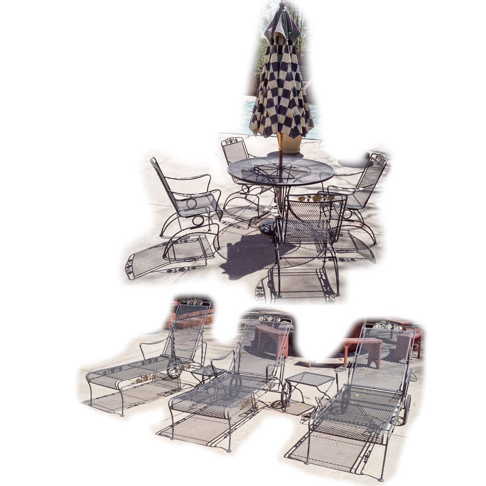 Set of Patio Loungers and Table Set