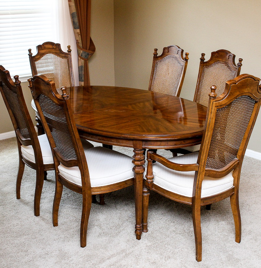 Drexel Heritage Dining Table and Chairs : EBTH