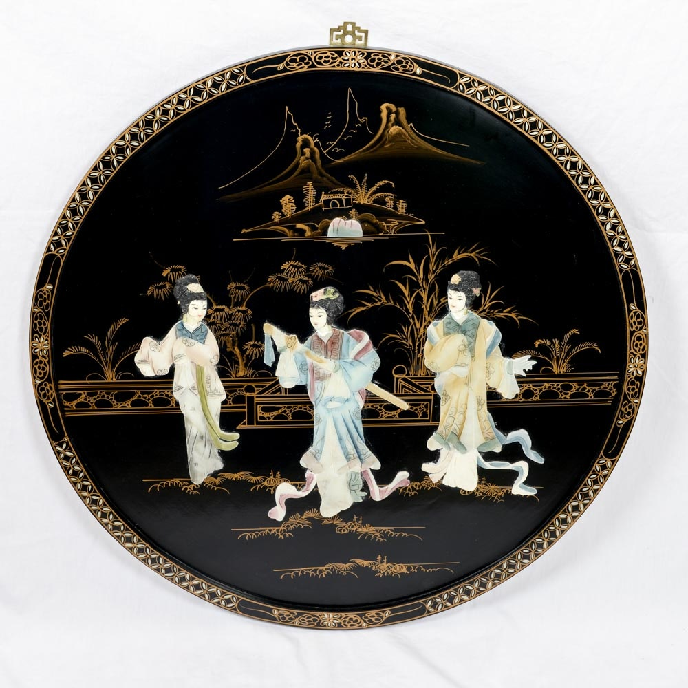 Round Chinoiserie Wood Art Plaque