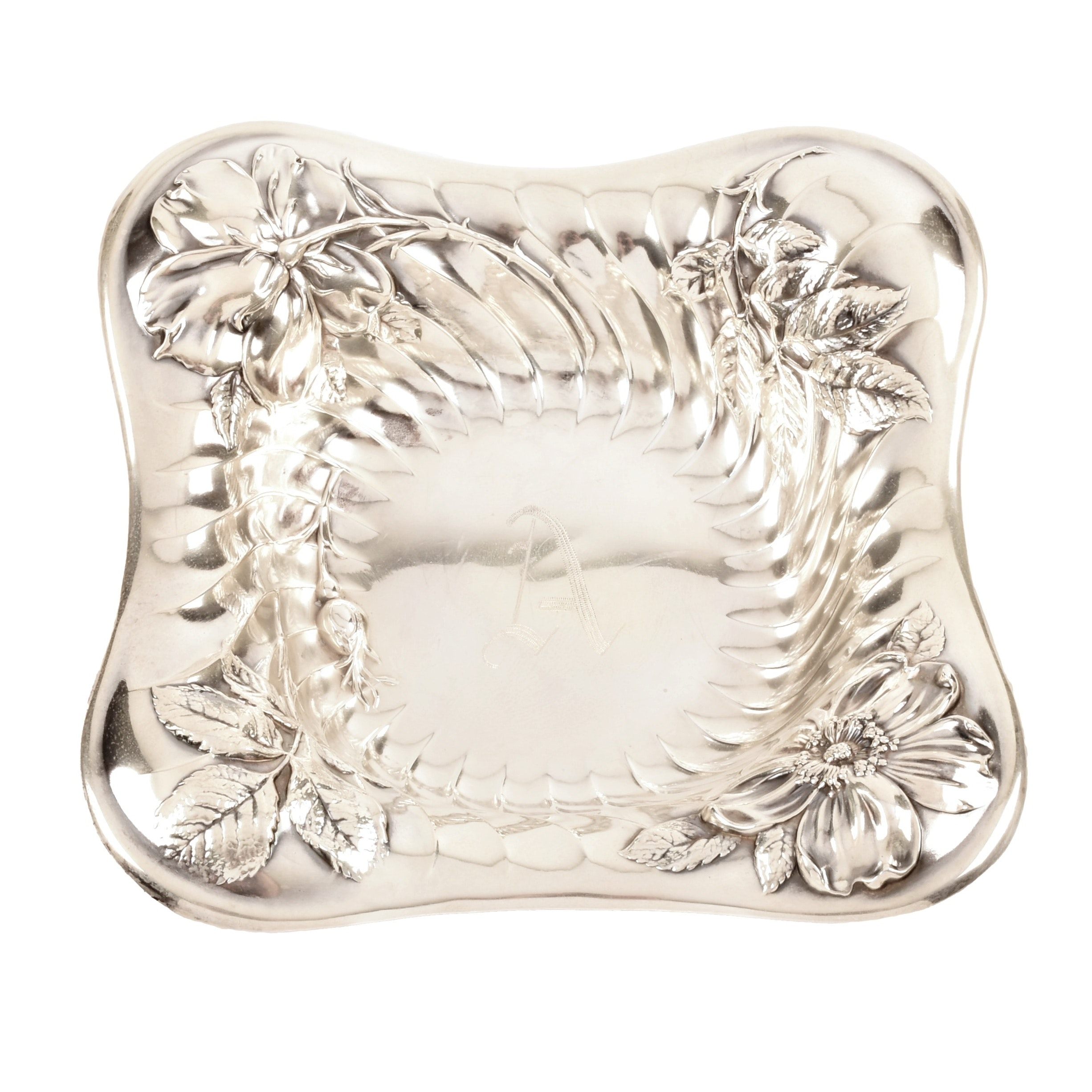 R. Wallace & Sons Sterling Silver Dogwood Dish