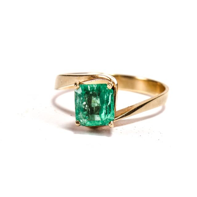 18K Yellow Gold and Columbian Emerald Ring