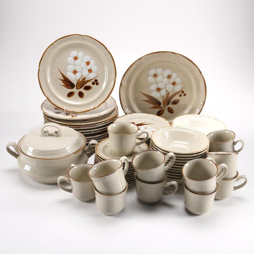 The Classics Hearthside Stoneware Dish Set : EBTH