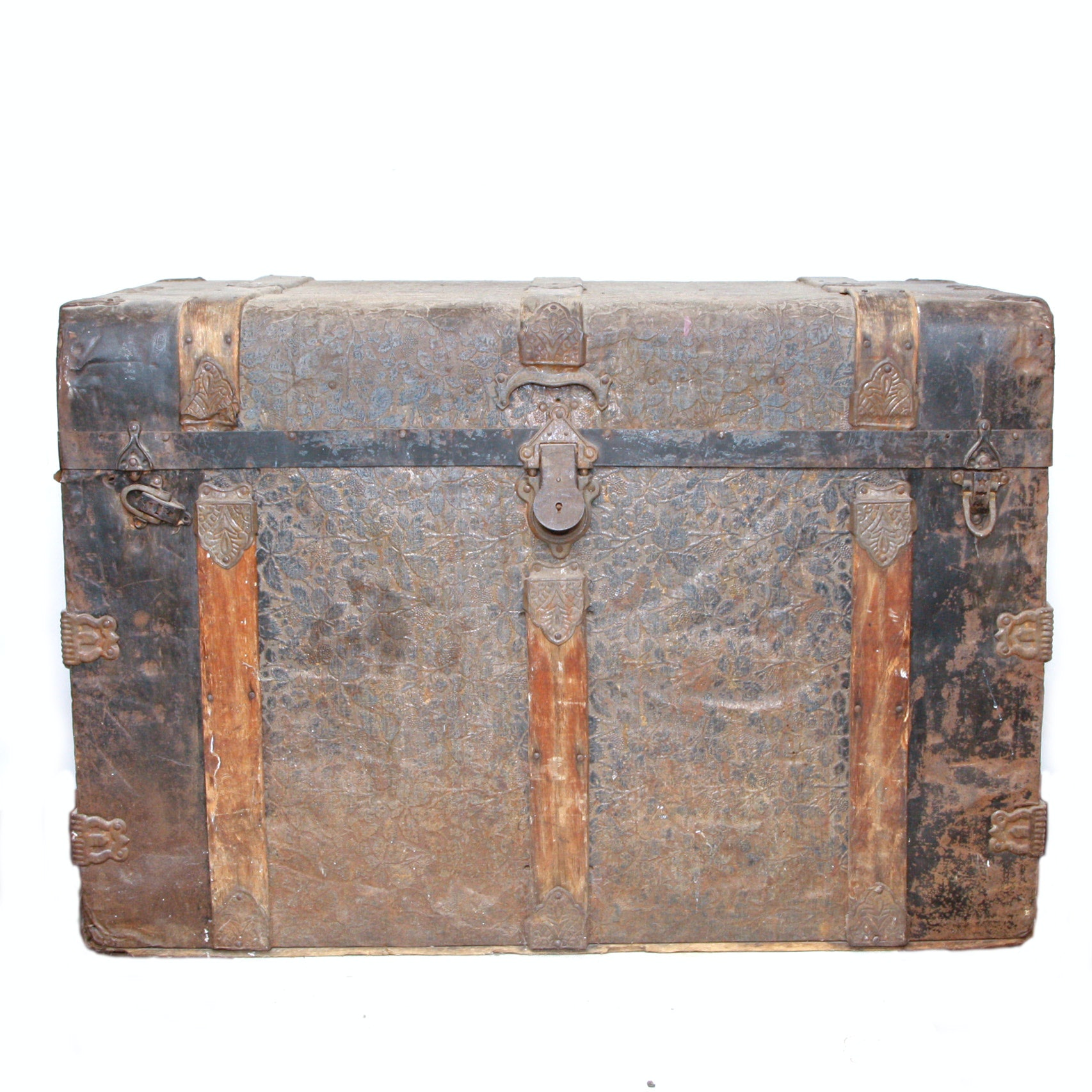 Antique Steamer Trunk 1