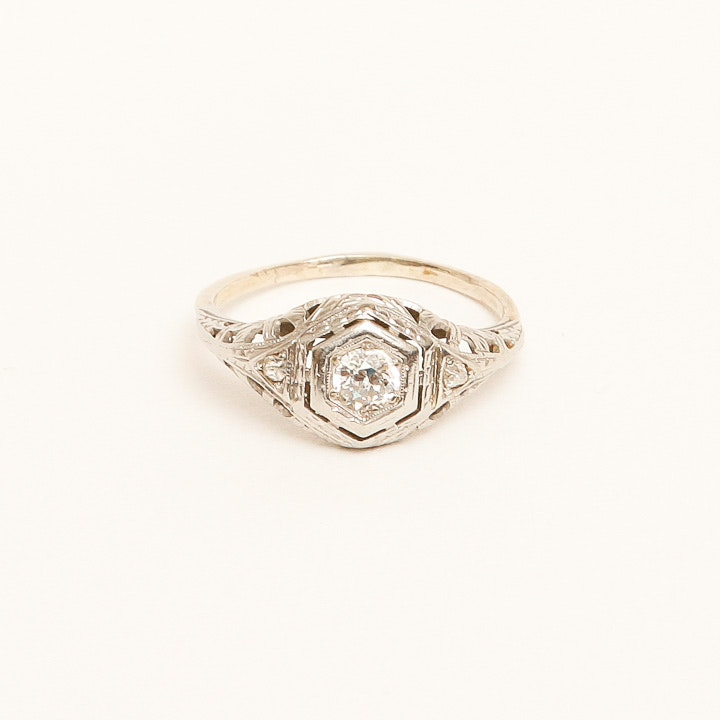 10K White Gold Edwardian Ring