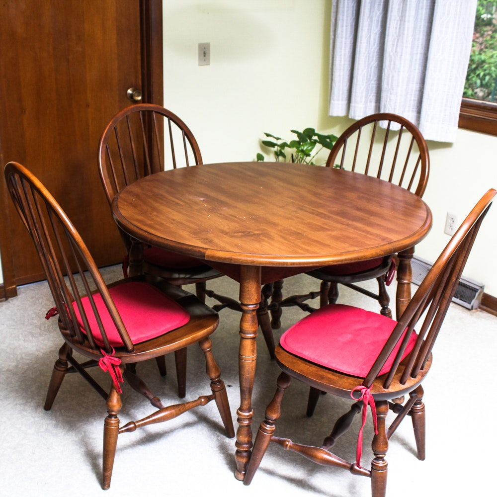 Elegant Vintage Dining Table By Walter Of Wabash With Moosehead Windsor Chairs ...