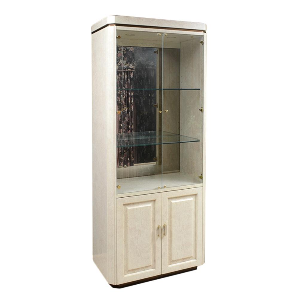 Henredon Furniture Lighted Display Cabinet ...