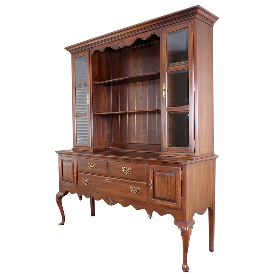 Queen anne style sideboard and china cabinet by ethan for Sideboard queens