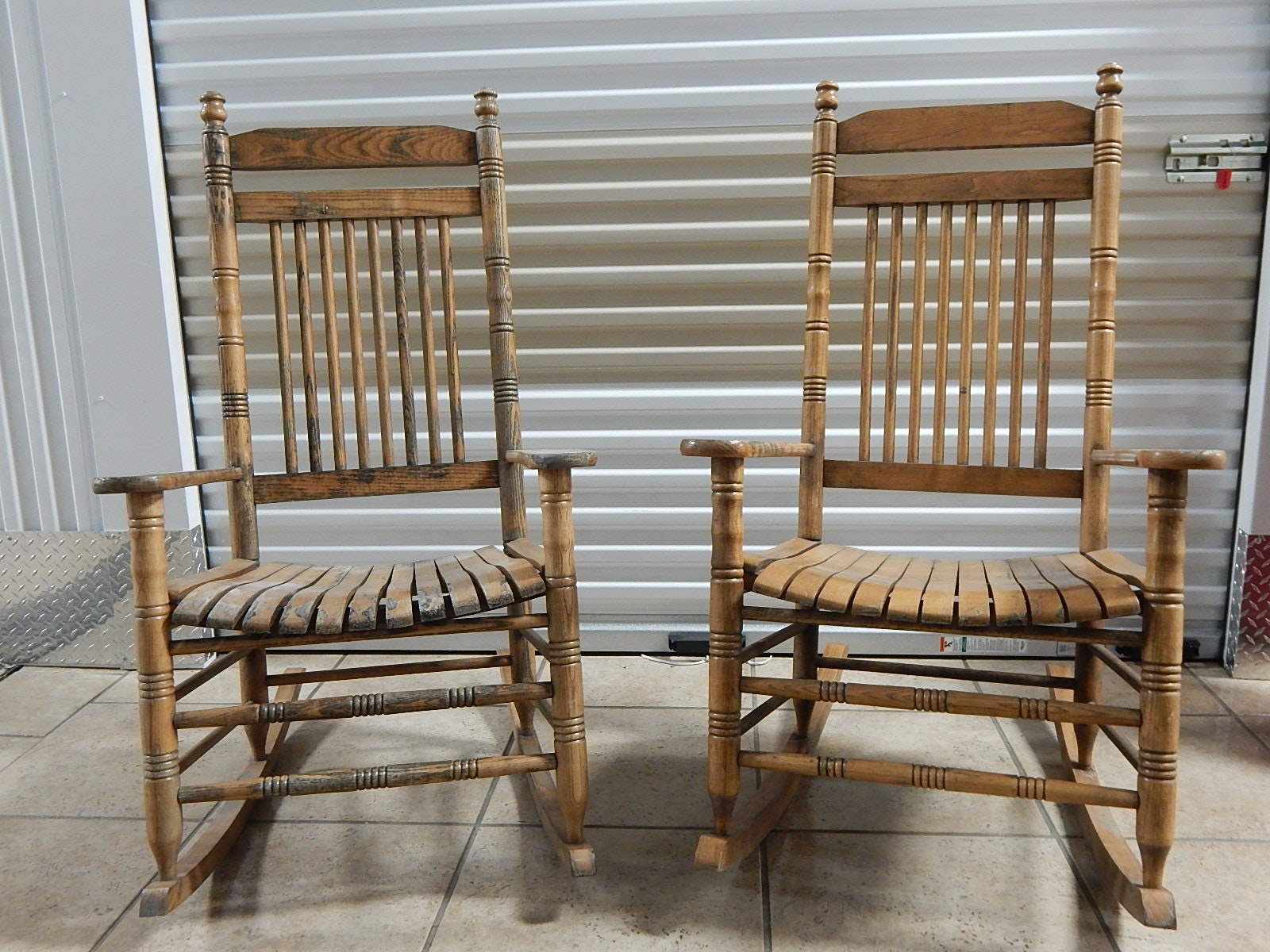 Two Vintage Cracker Barrel Rocking Chairs ... & Two Vintage Cracker Barrel Rocking Chairs : EBTH