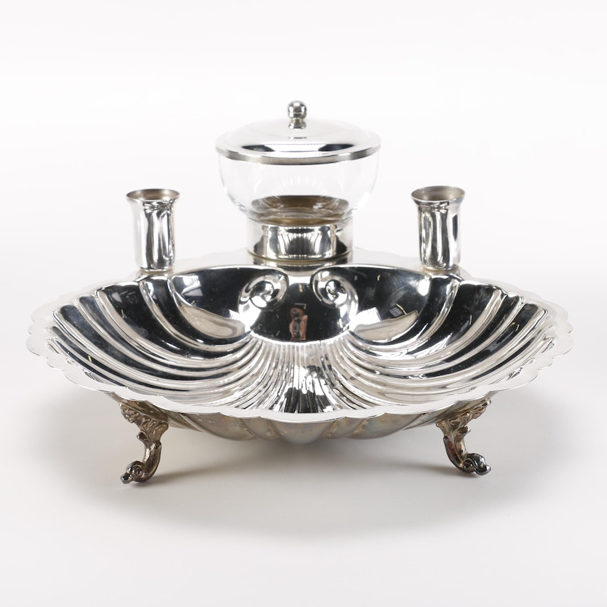english silver mfg corp silver plate shell serving dish ebth. Black Bedroom Furniture Sets. Home Design Ideas