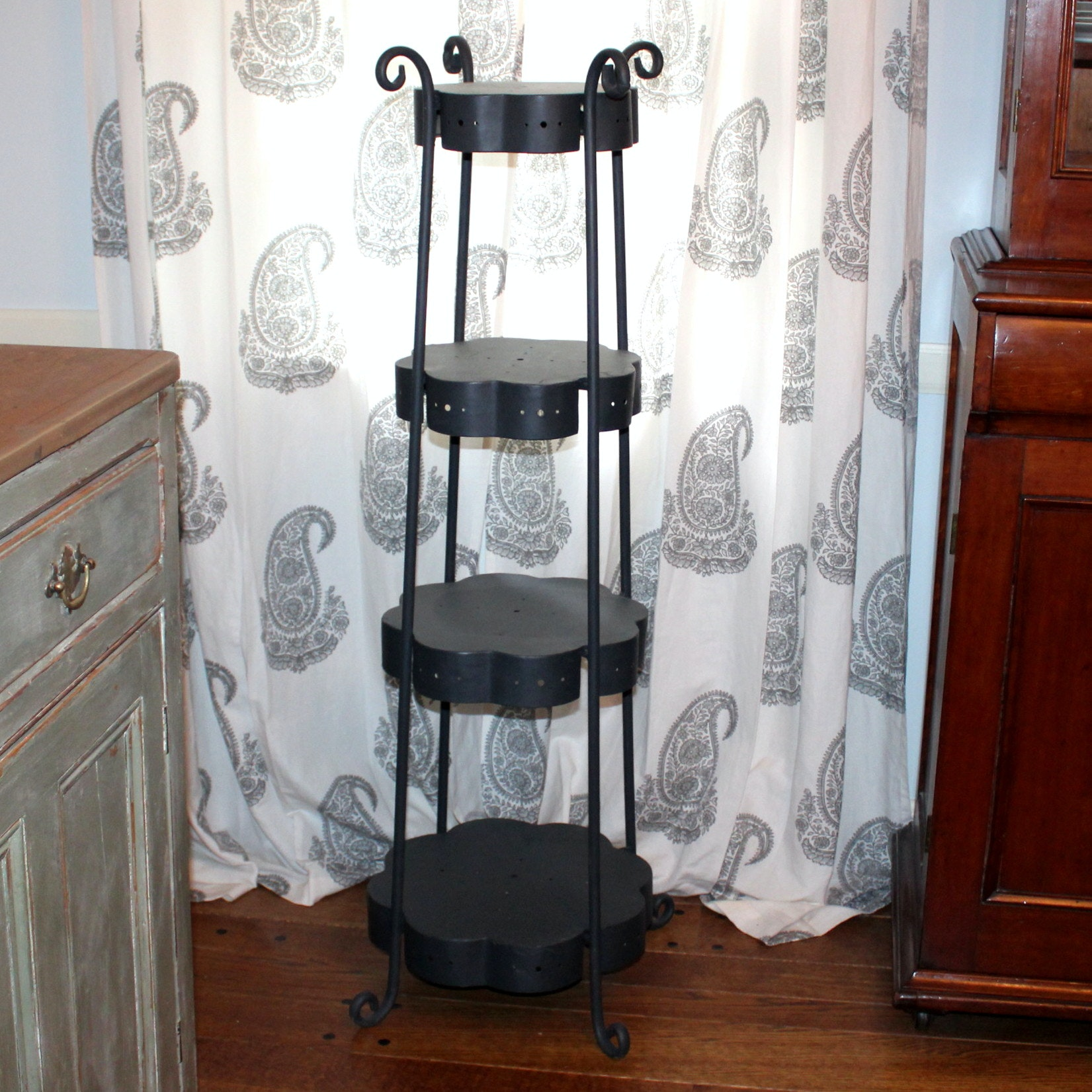 Black Metal Tiered Plant Stand