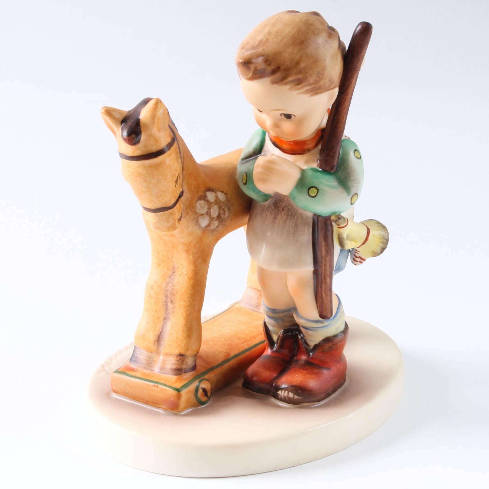 "Hummel Figurine ""Prayer Before Battle"""