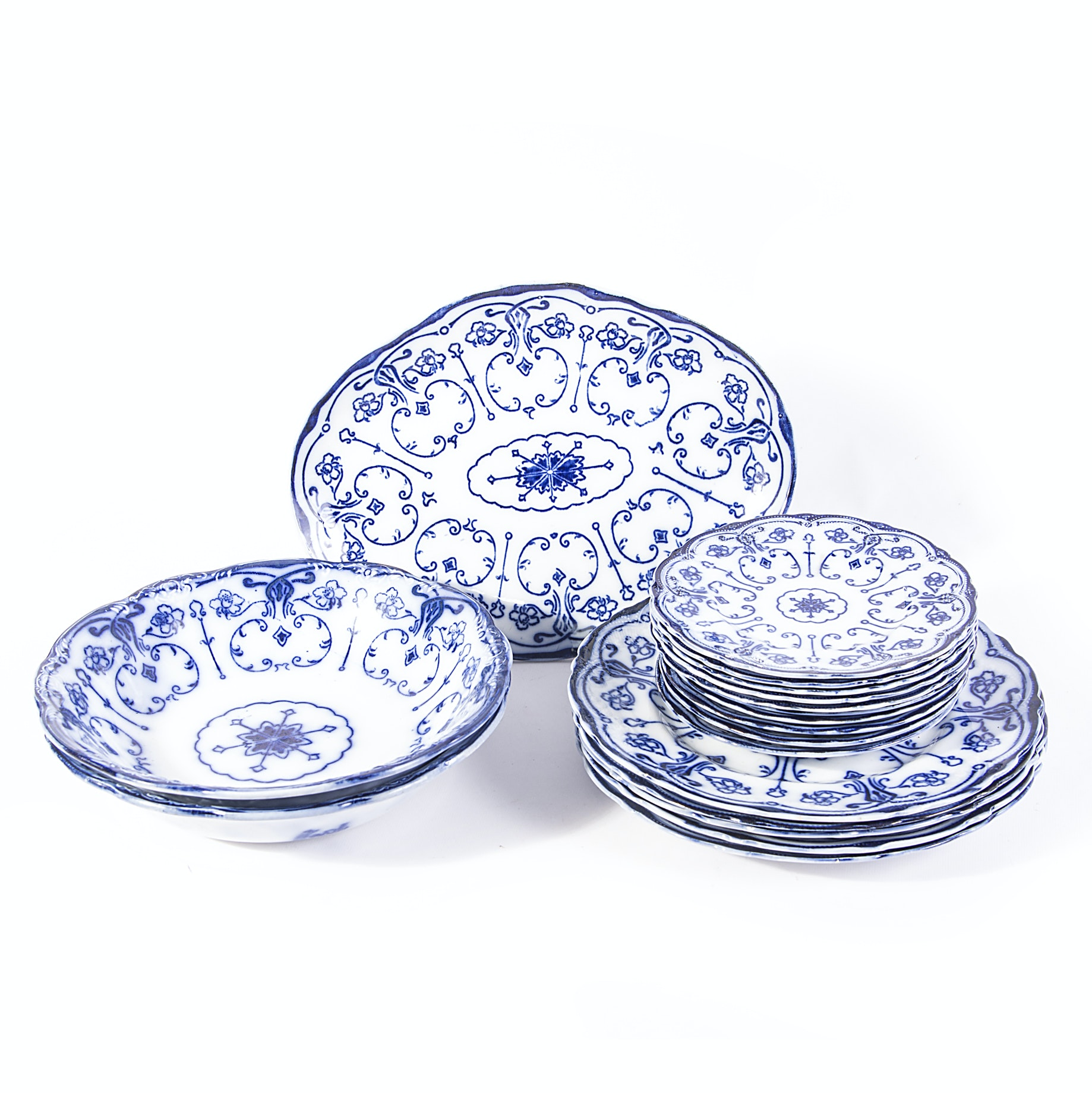 """Antique Colwyn """"New Wharf"""" Bavarian China Collection"""