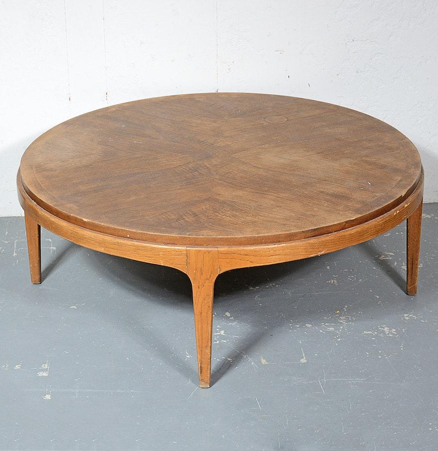 1960s mid century modern lane rhythm walnut coffee table ebth 1960s mid century modern lane rhythm walnut coffee table geotapseo Choice Image