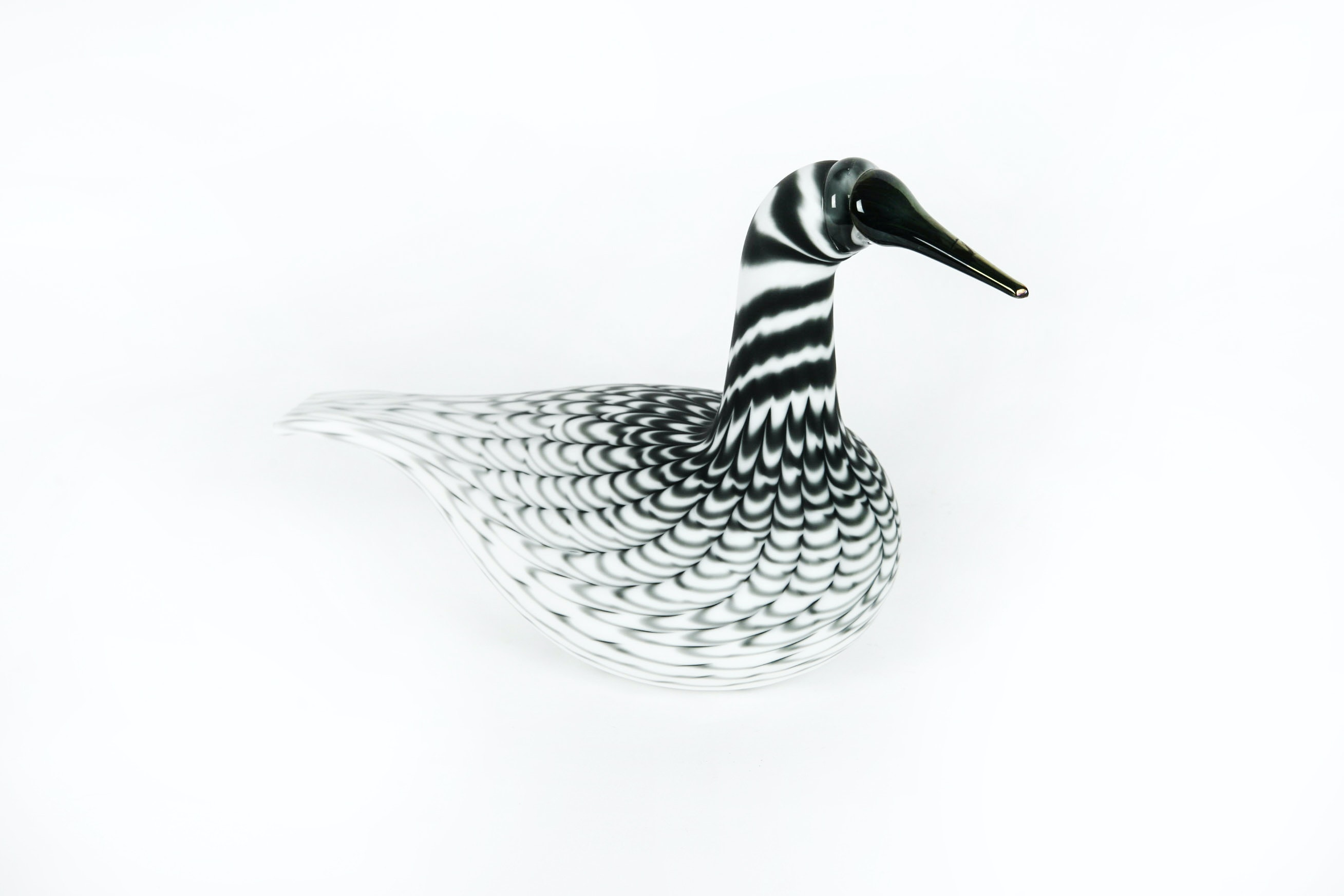 Signed O. Toikka, Nuutajärvi Art Glass Swan