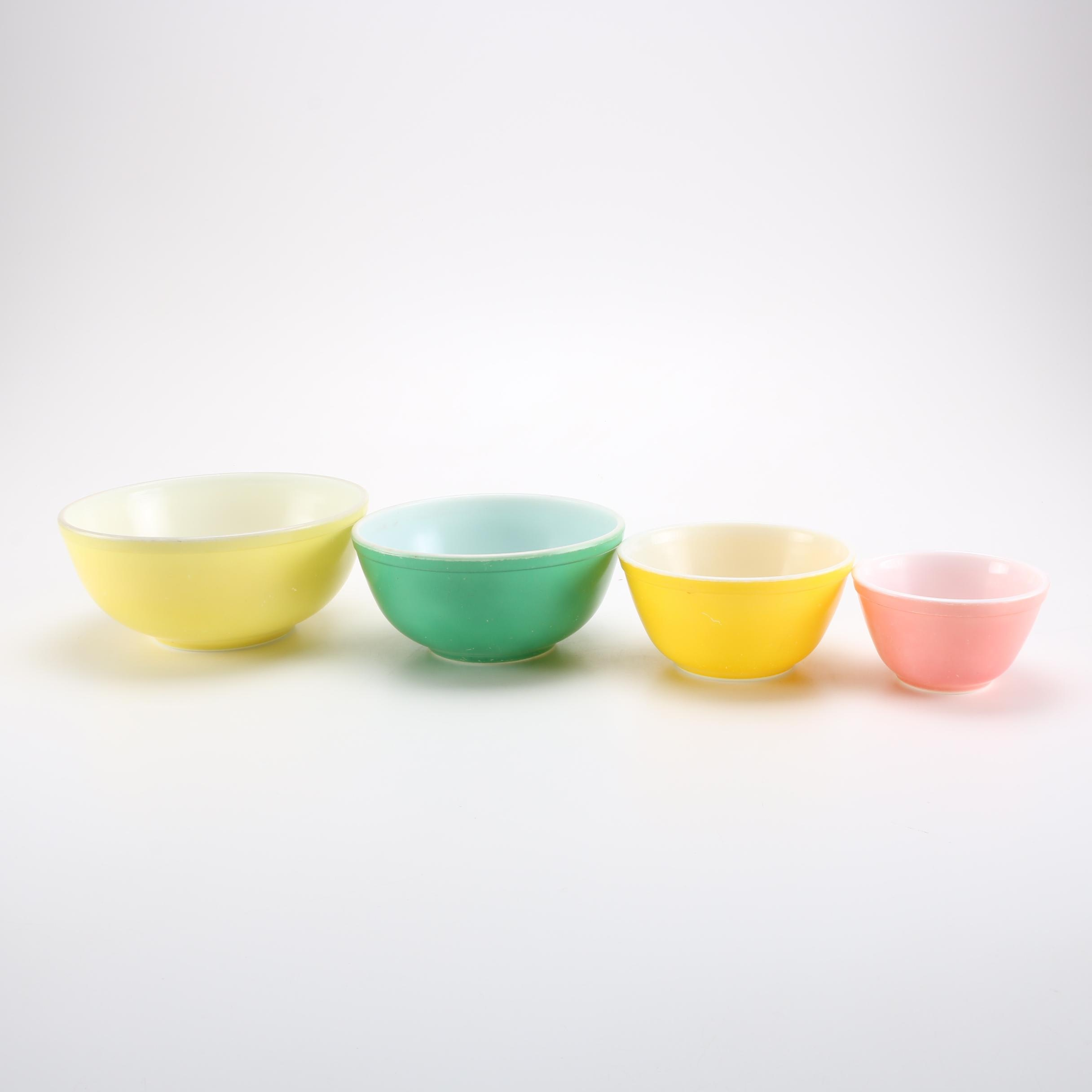 1940s–50s Pyrex Nesting Bowls