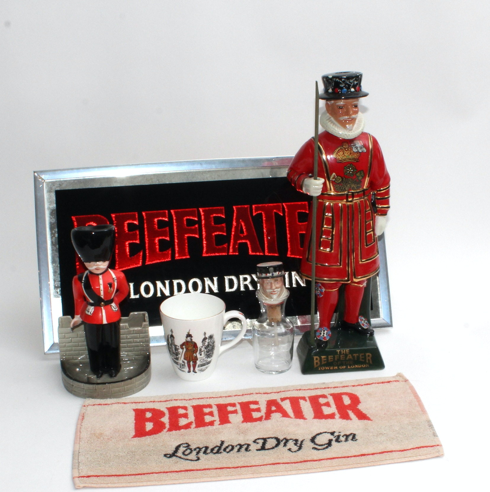 Beefeater Themed Bar Grouping