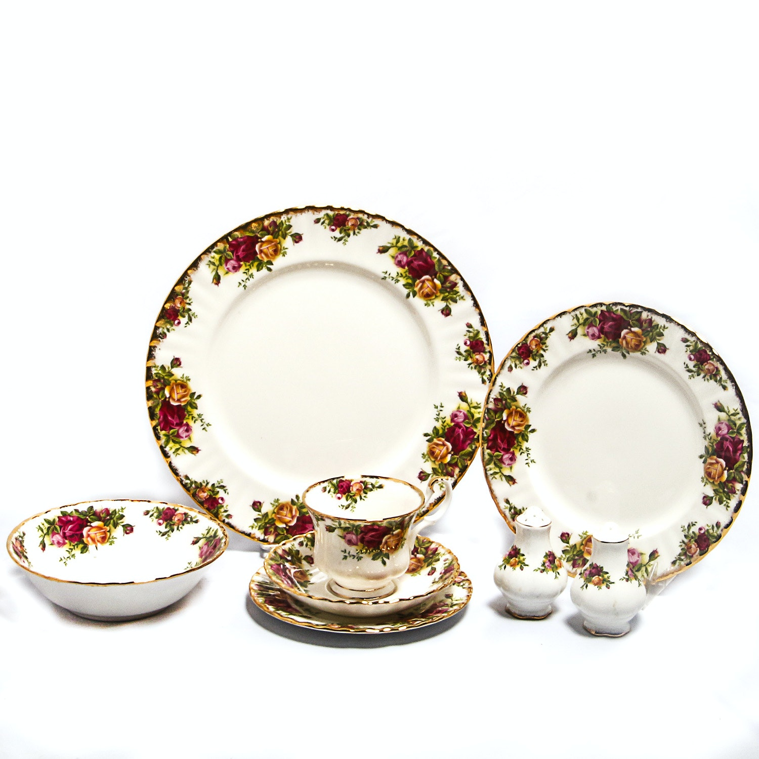"Large Grouping of Vintage ""Old Country Roses"" Royal Albert China"