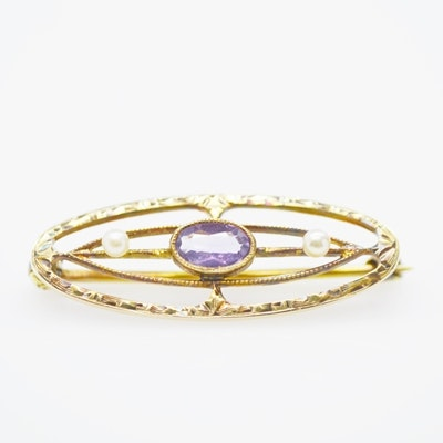 14K Yellow Gold Amethyst and Cultured Pearl Brooch
