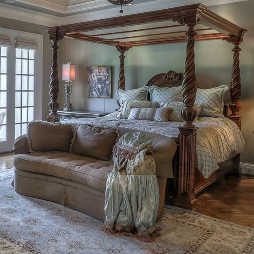 Queen Anne Style Canopy Bed Frame : EBTH