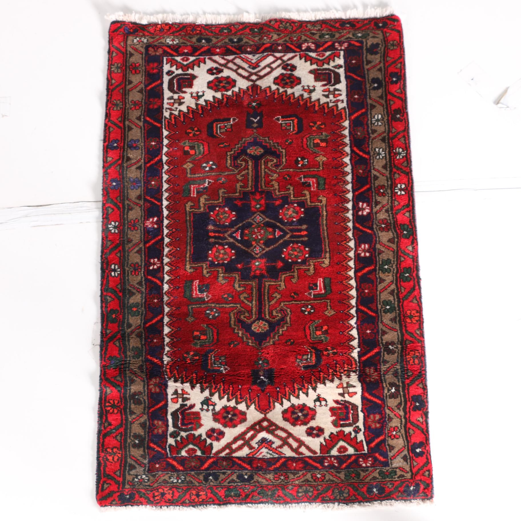 Hand-Knotted Abadeh Accent Rug