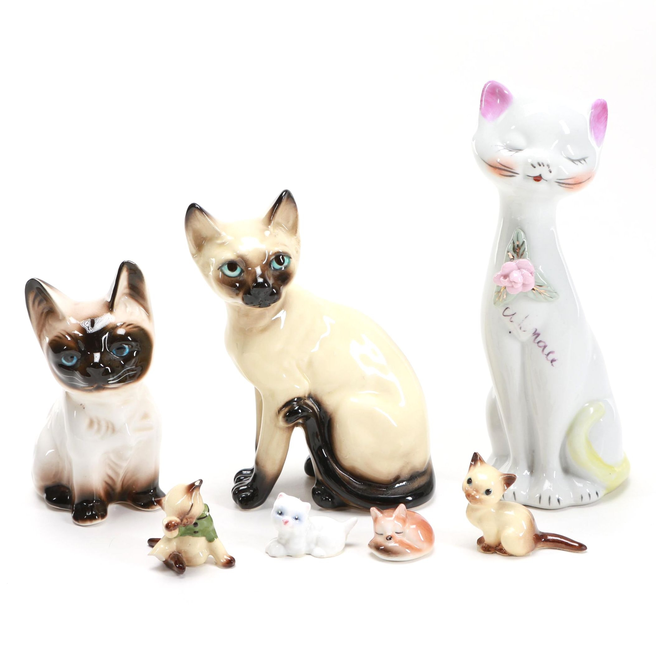 Porcelain Cat Figure Grouping