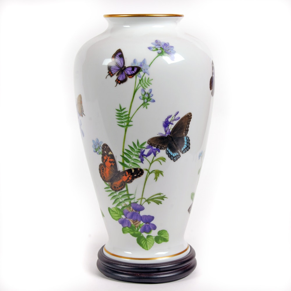"""1981 Limited Edition John Wilkinson """"The Meadowland Butterfly Vase"""""""