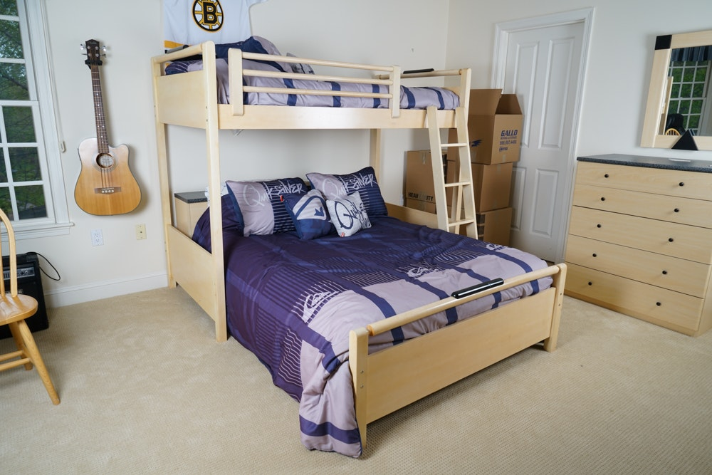 Contemporary Bunk Beds with Full and Twin Sized Bedding