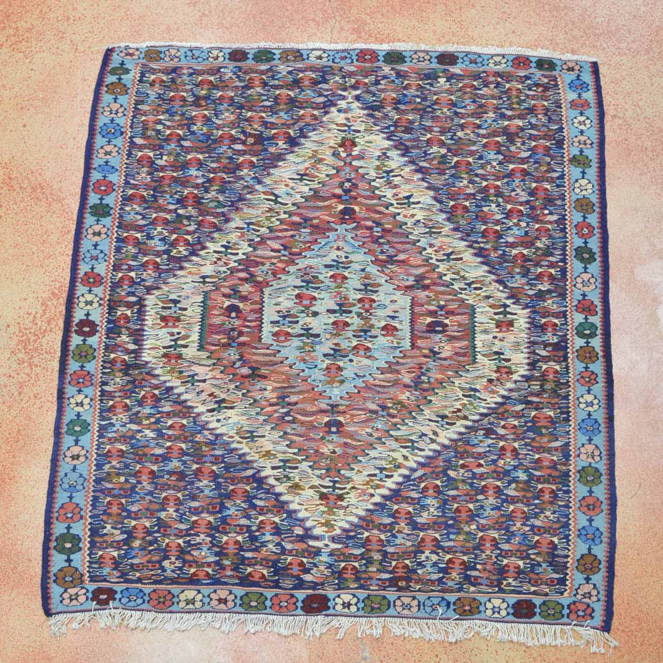 Hand Knotted Senneh Area Rug