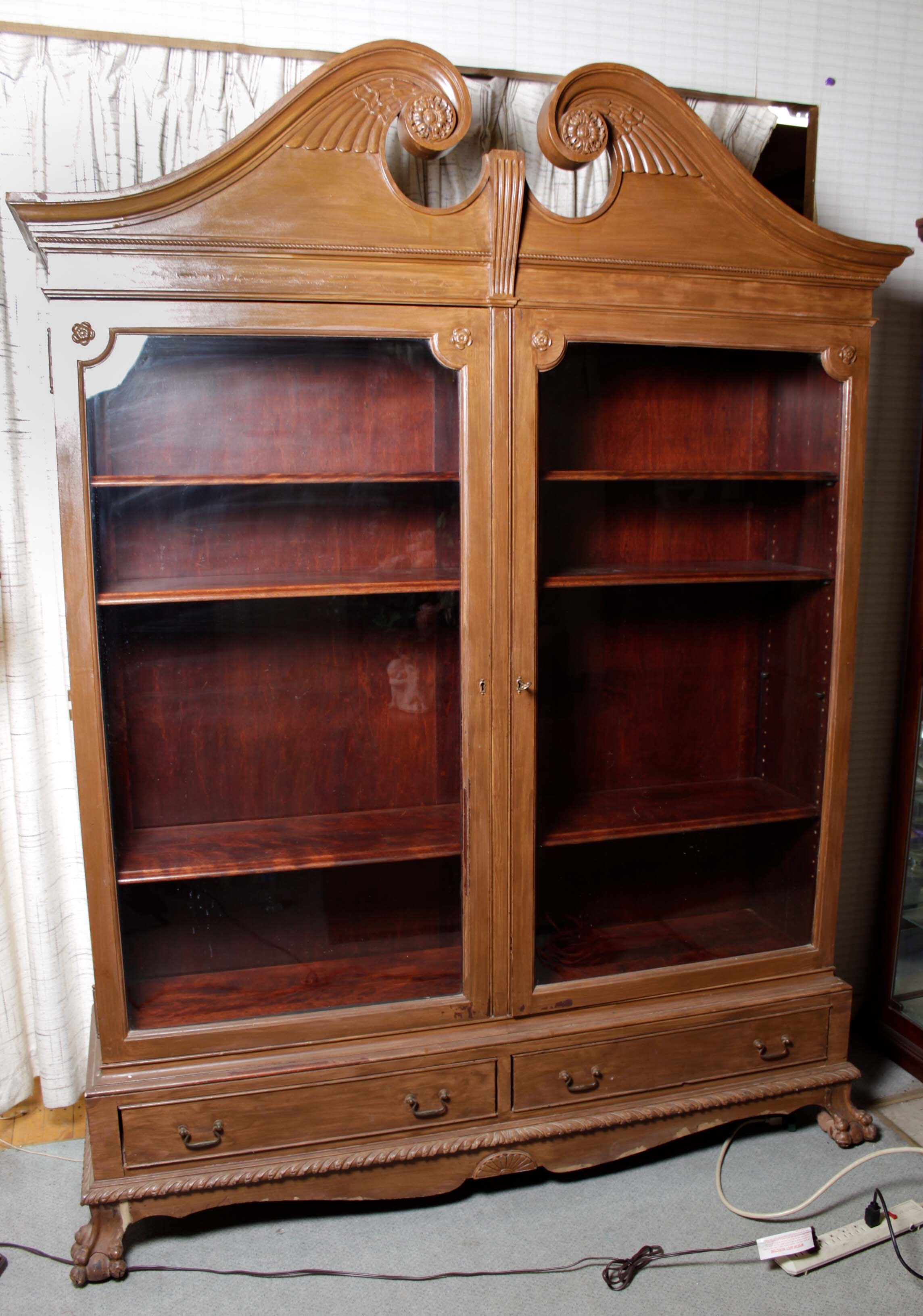 Early 20th Century Paine Furniture Chippendale-Style Display Cabinet