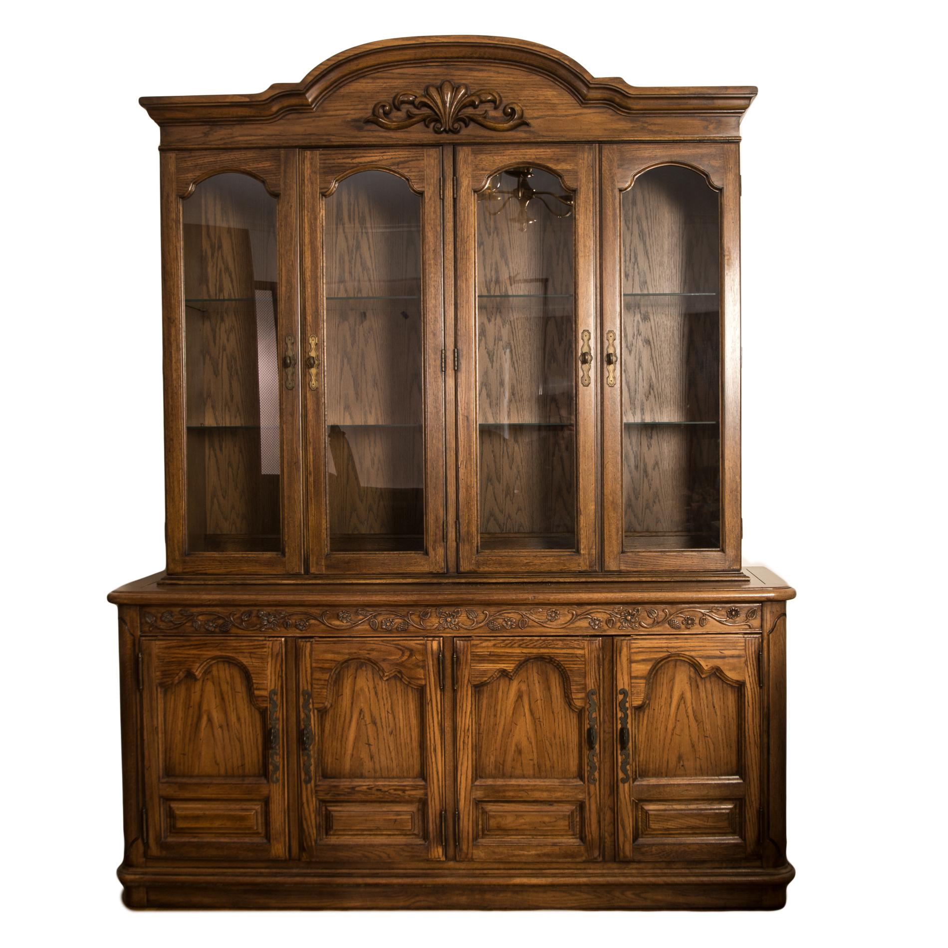 Vintage Thomasville China Cabinet : EBTH