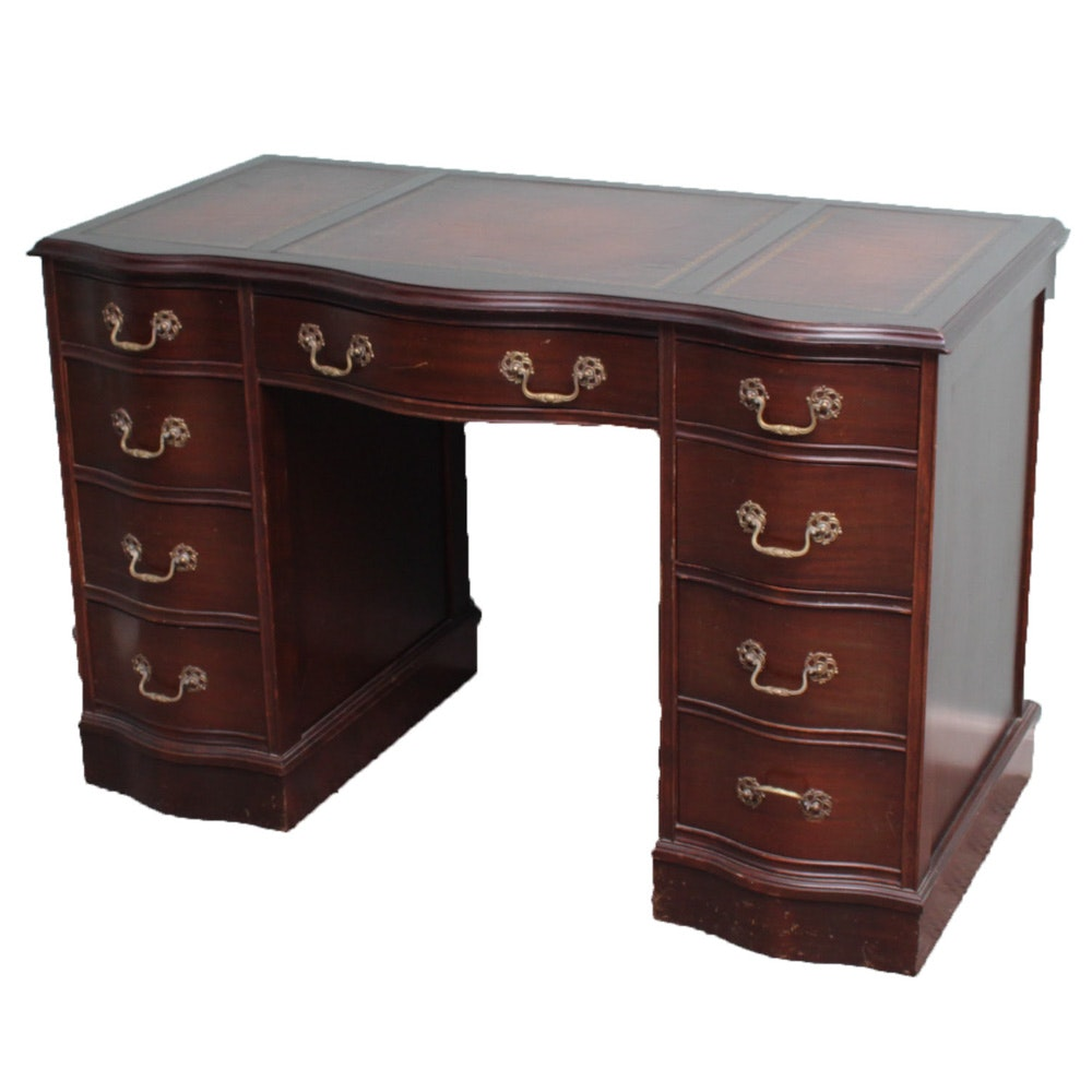 Delicieux Vintage Leather Top Desk By Taylor Made ...