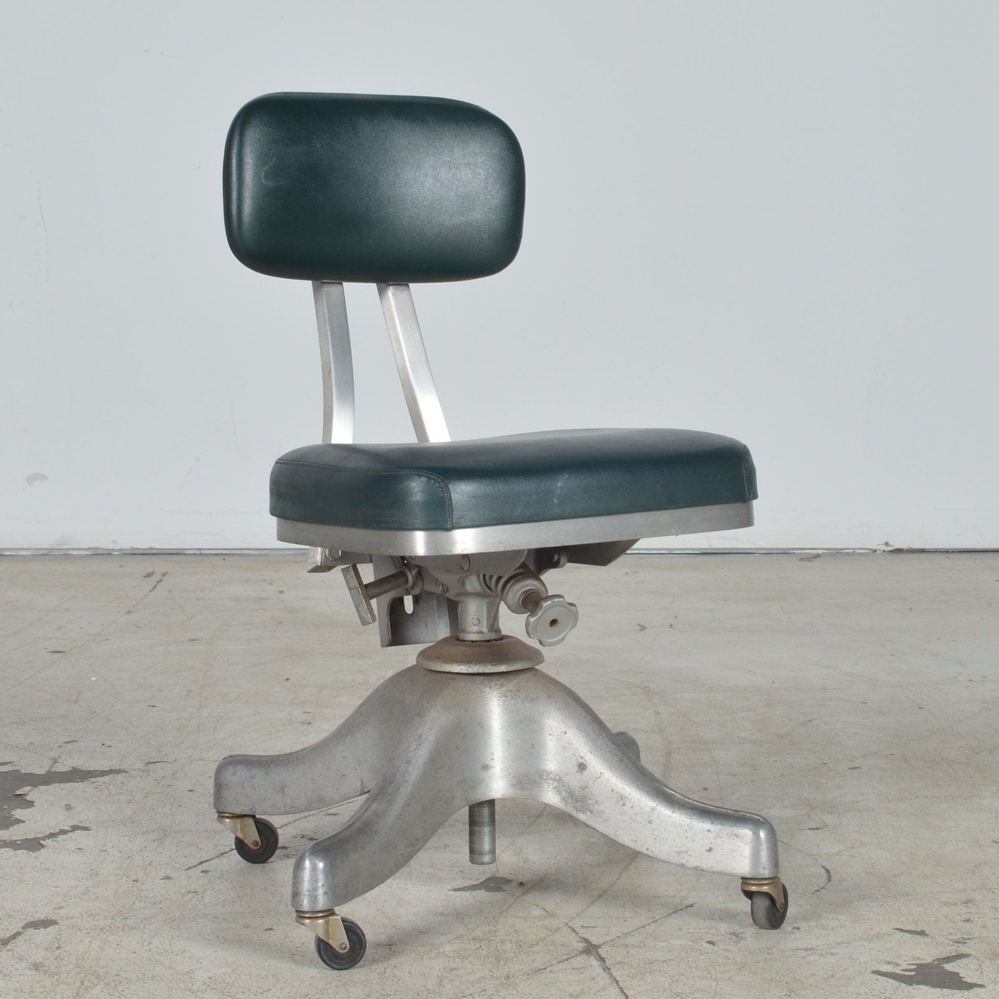 industrial style office chair. Vintage Shaw-Walker Industrial Style Office Chair S