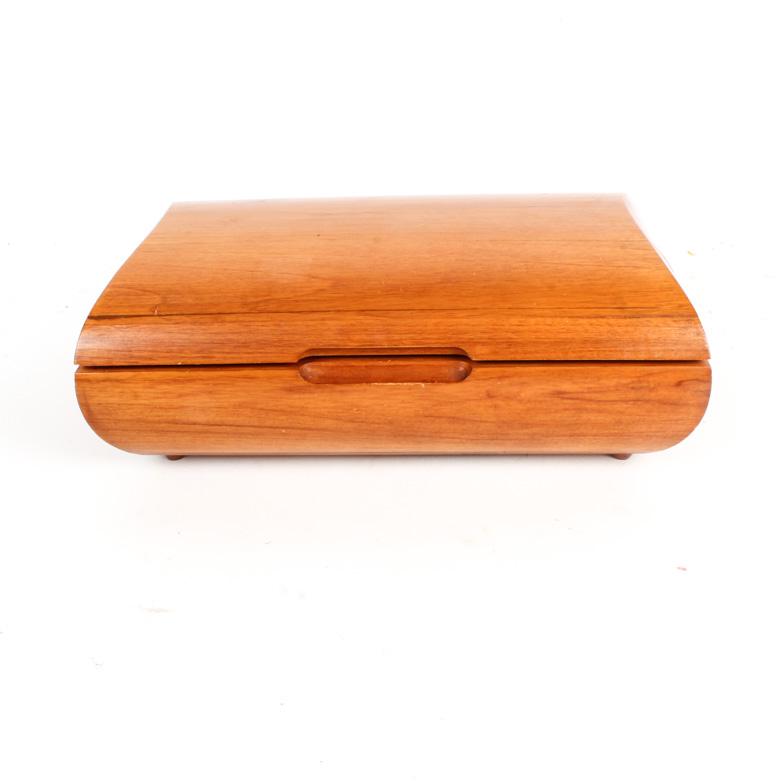 Vintage Teak Jewelry box EBTH