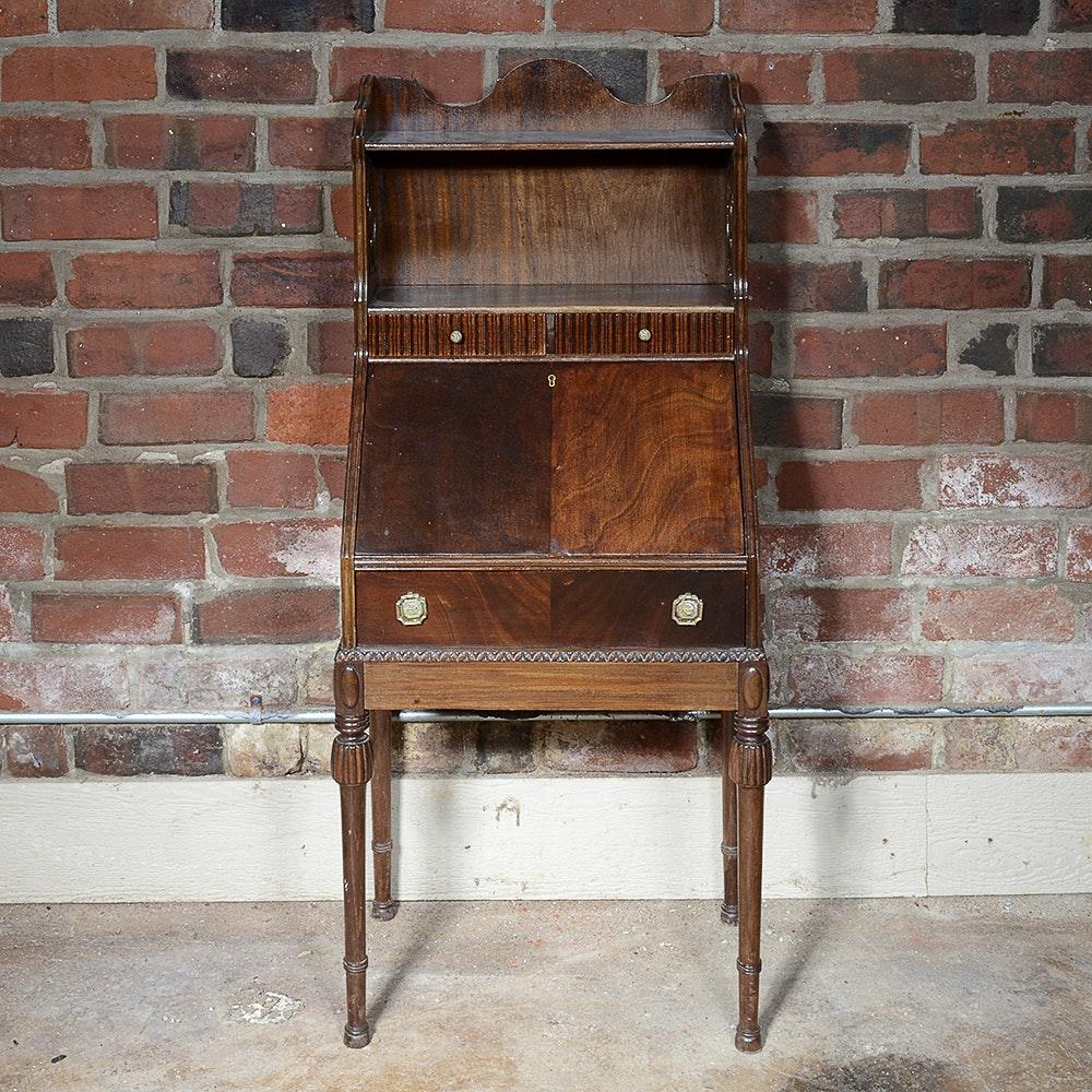Early 20th Century Colonial Manufacturing Co. Mahogany Secretary Desk