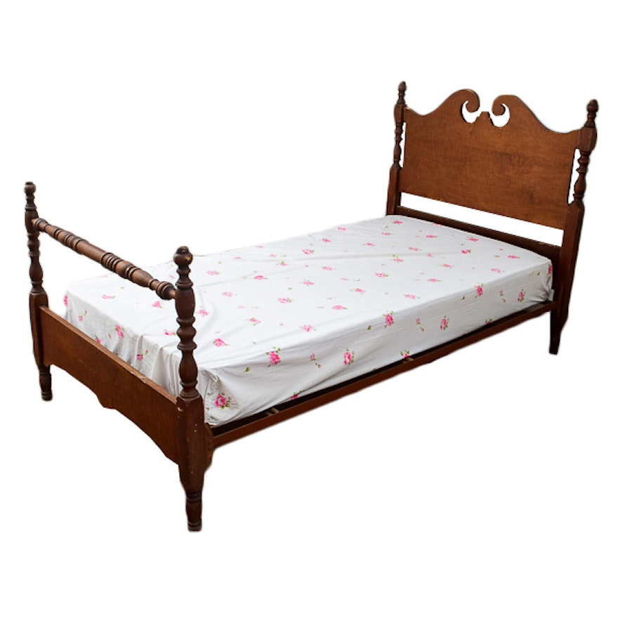 Queen anne style cherry bed frame ebth for Queen anne style bed