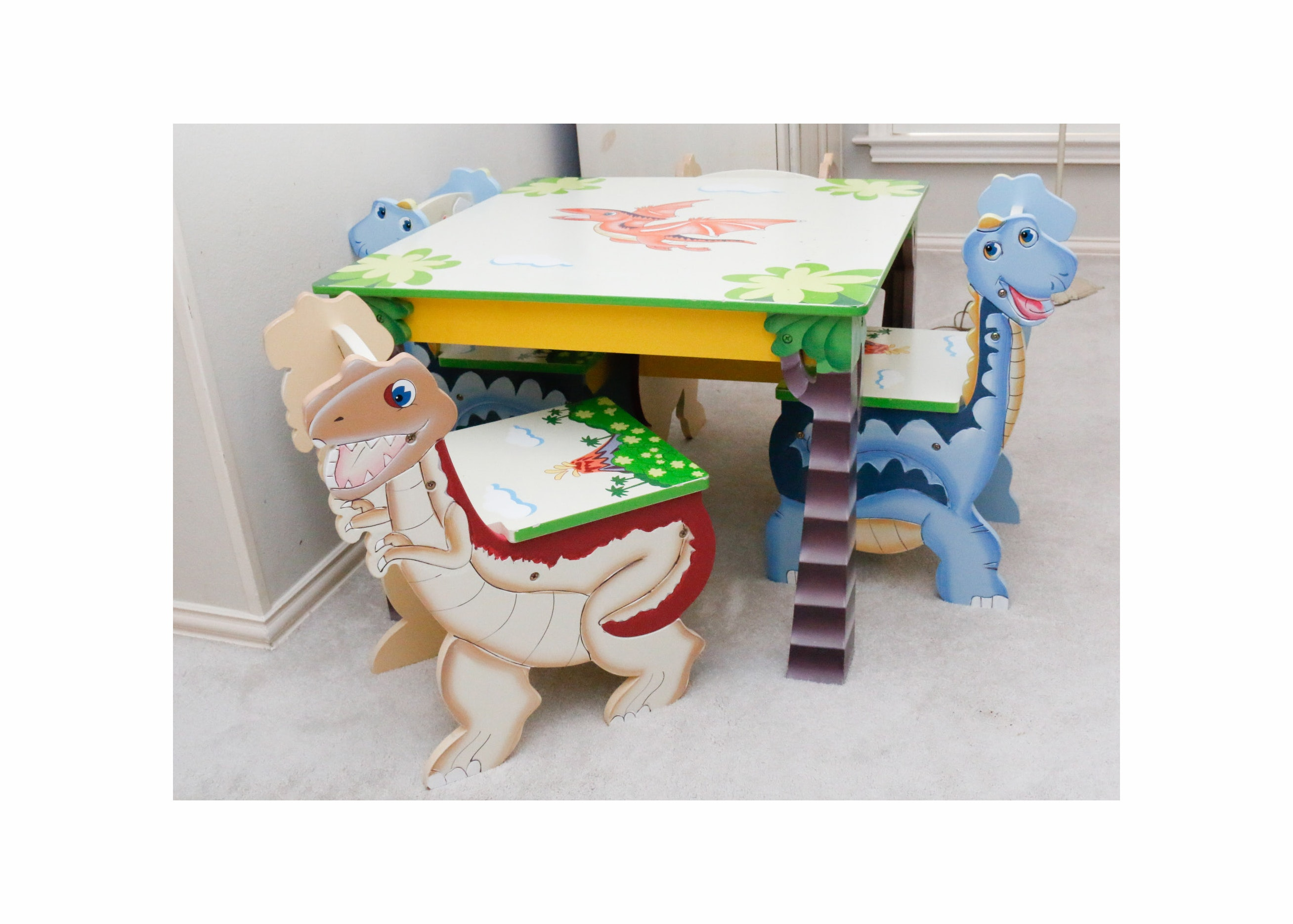 Childu0027s Dinosaur Table and Chair Set ...  sc 1 st  EBTH.com & Childu0027s Dinosaur Table and Chair Set : EBTH