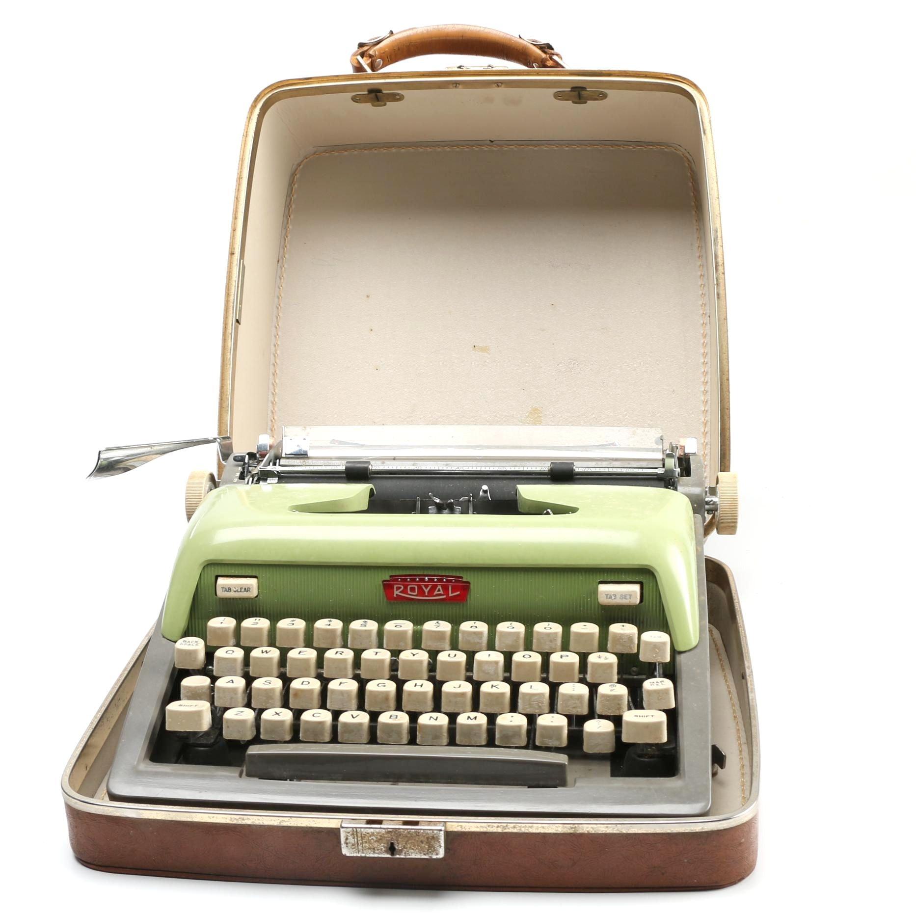 Vintage Royal Portable Typewriter Part - 26: Vintage Royal Portable Typewriter ...