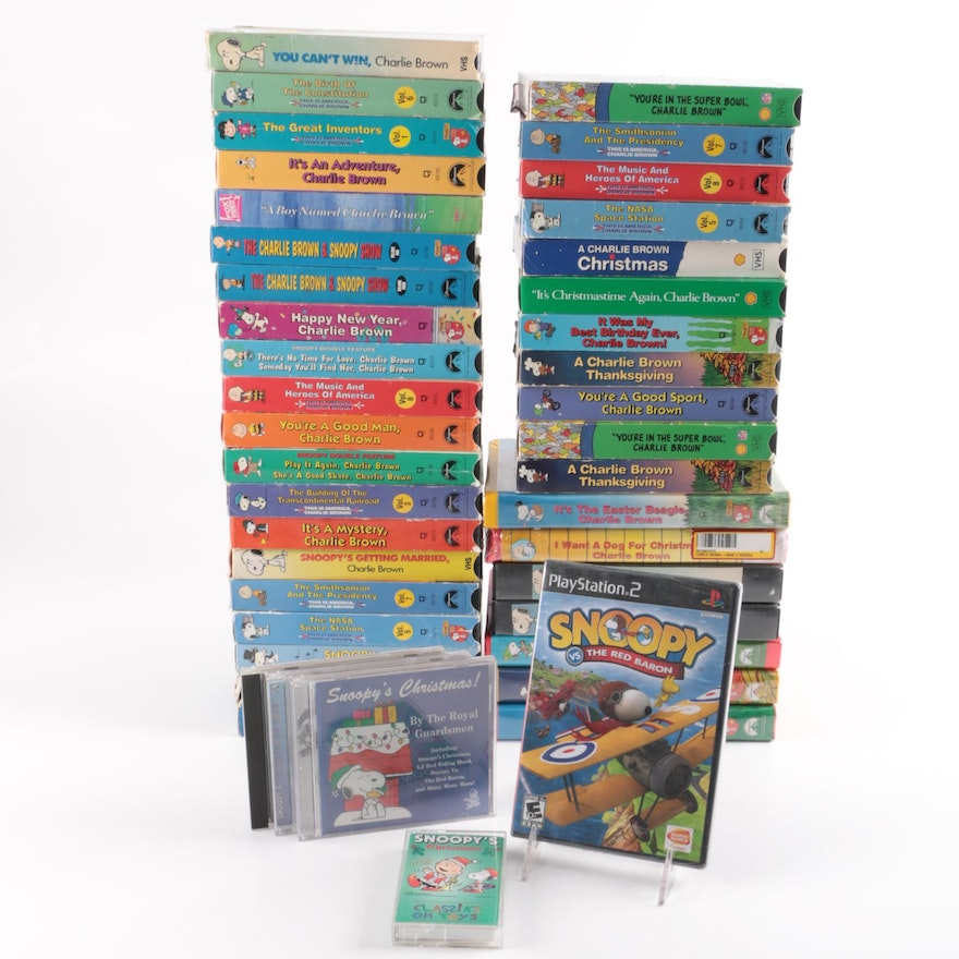 A Charlie Brown Christmas Vhs.Peanuts Charlie Brown And Snoopy Vhs Collection Game And More